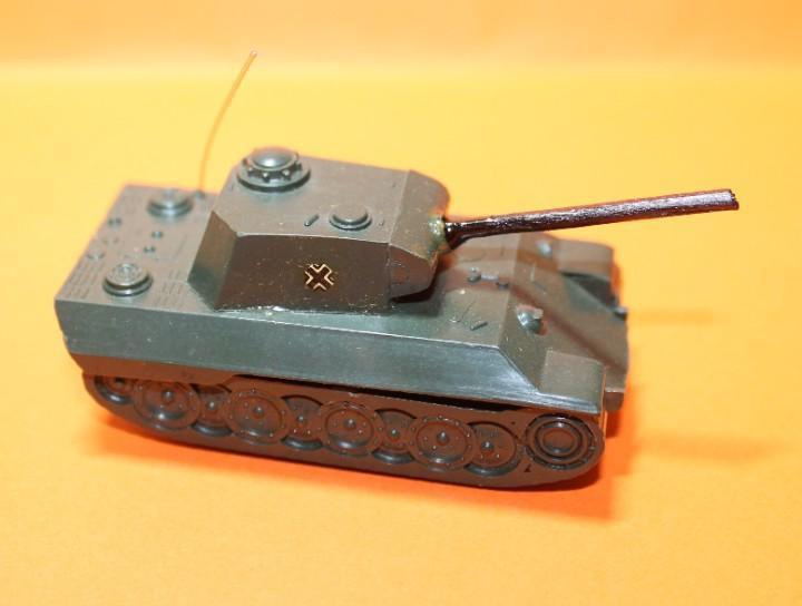 Tanque ejercito aleman marca eko. modelo panther. escala