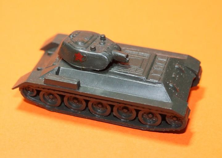 Tanque ejercito ruso marca eko. modelo t-34. escala 1:88.