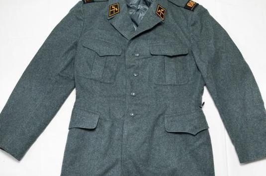 Uniforme militar del ejército suizo.