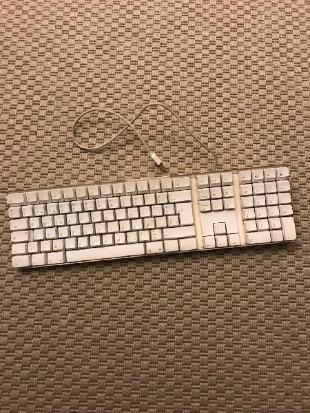 Mac apple teclado con dos entradas usb