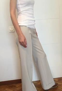 Pantalón beige campana