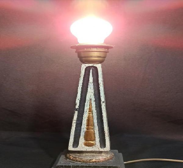 Pie de lámpara estilo clásico. blanco, negro y oro. c17
