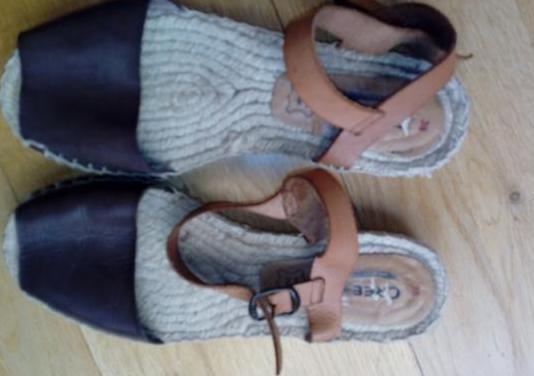 Sandalias de piel y esparto.muy nuevas.num 38