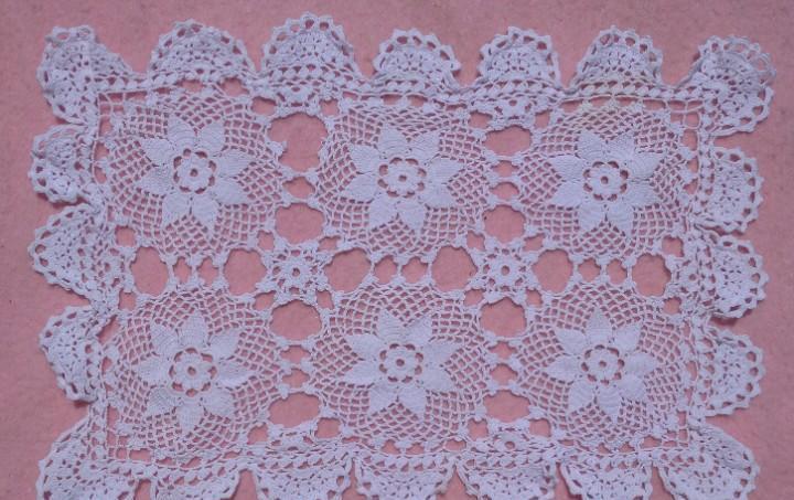 Tapete de ganchillo vintage motivos florales // figura