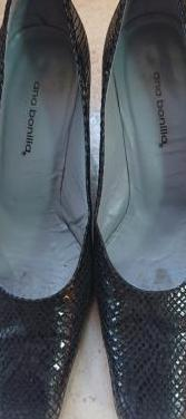 Zapatos de piel y suela de cuero