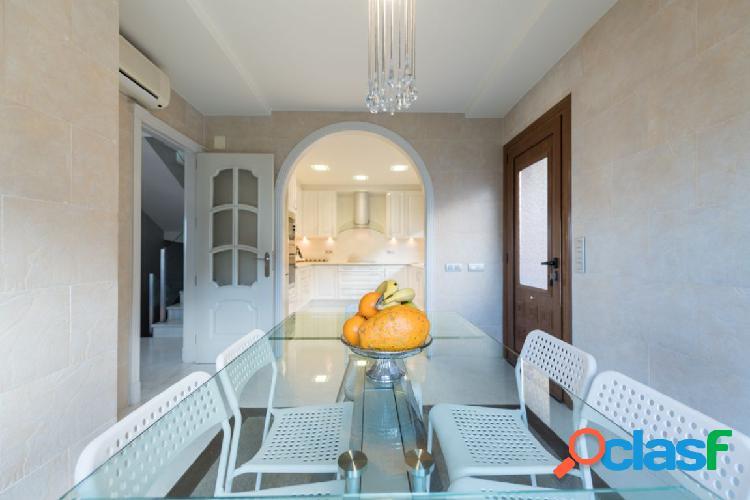 Exclusivo Chalet pareado en zona residencial!! Venta o alquiler con opción a compra 2