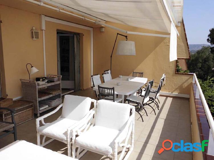 Casa adosada con bonitas vistas al mar y a la playa de Sant Feliu. 2