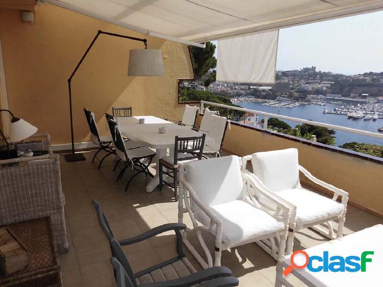 Casa adosada con bonitas vistas al mar y a la playa de Sant Feliu. 3
