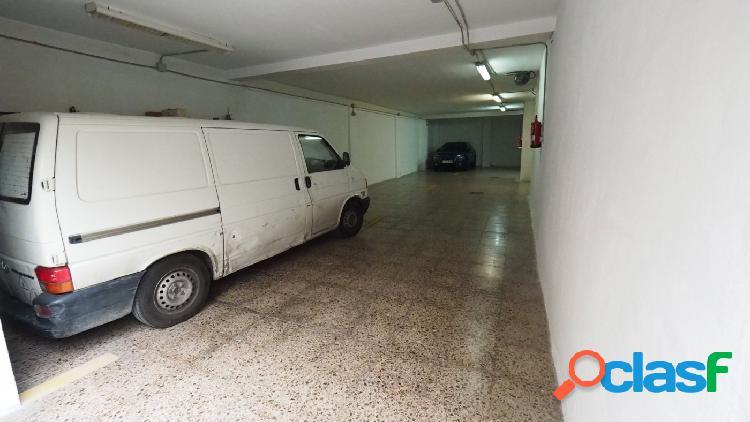 Se vende local garaje para 6 coches