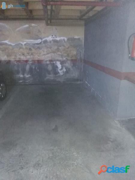 Plaza de garaje en venta en Aluche, Madrid 3
