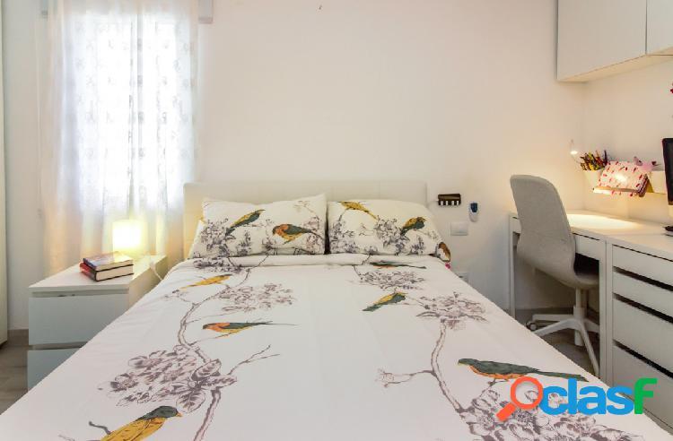 Exclusivo bungalow de 2 dormitorios con terraza y vista al mar en San 1