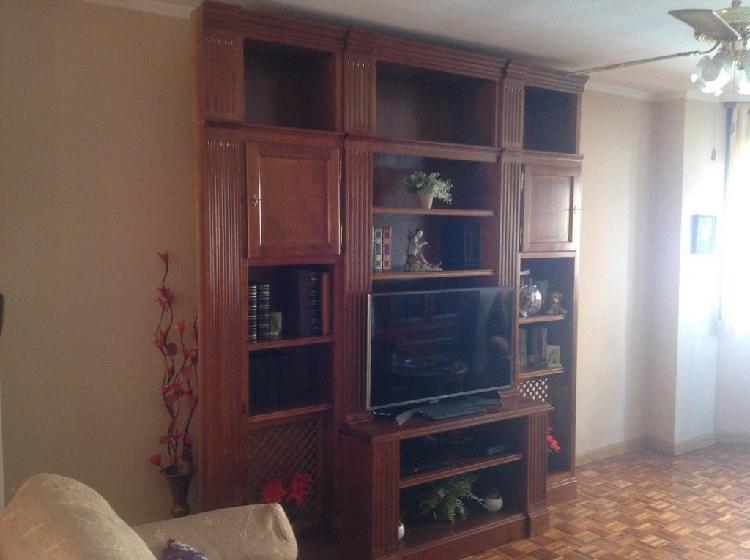 Mueble salón. madera maciza marca formas. alto 252