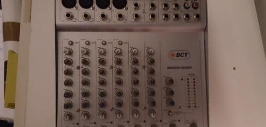 Mesa de mezclas bct mm802: 10 in 2 aux