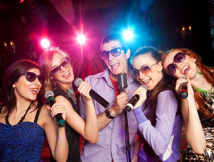 Alquiler de karaoke y equipos de sonido para event