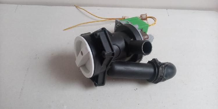 Bomba de agua con filtro