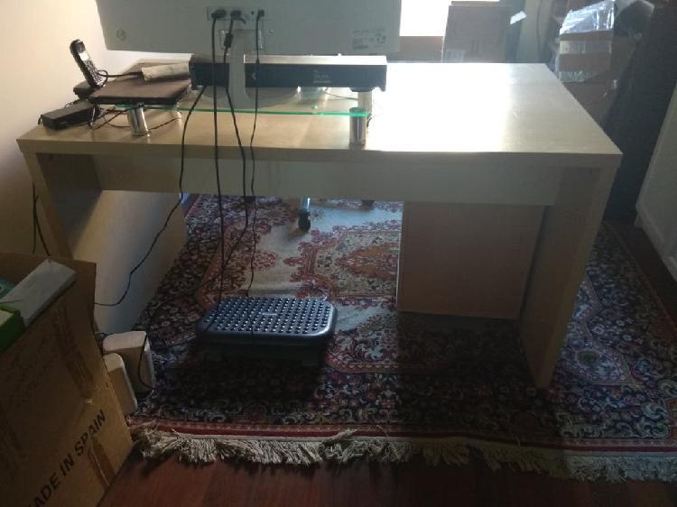 Cajonera y regalo mesa escritorio de ikea