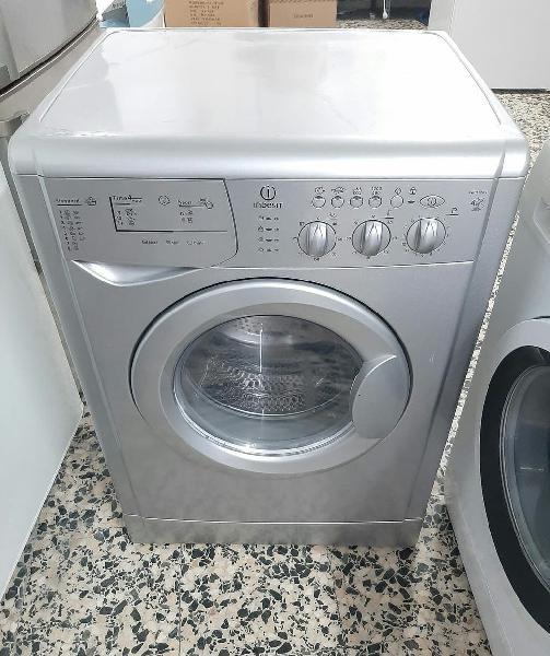 Lavadora 6kg con secadora 4kg indesit