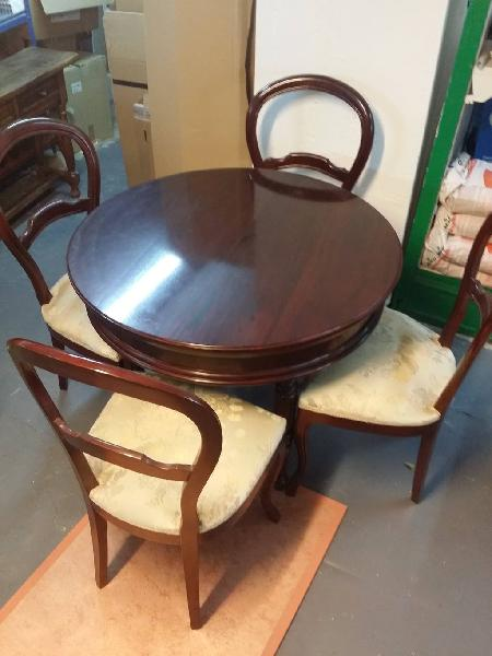 Mesa con 4 sillas madera maciza tapizada
