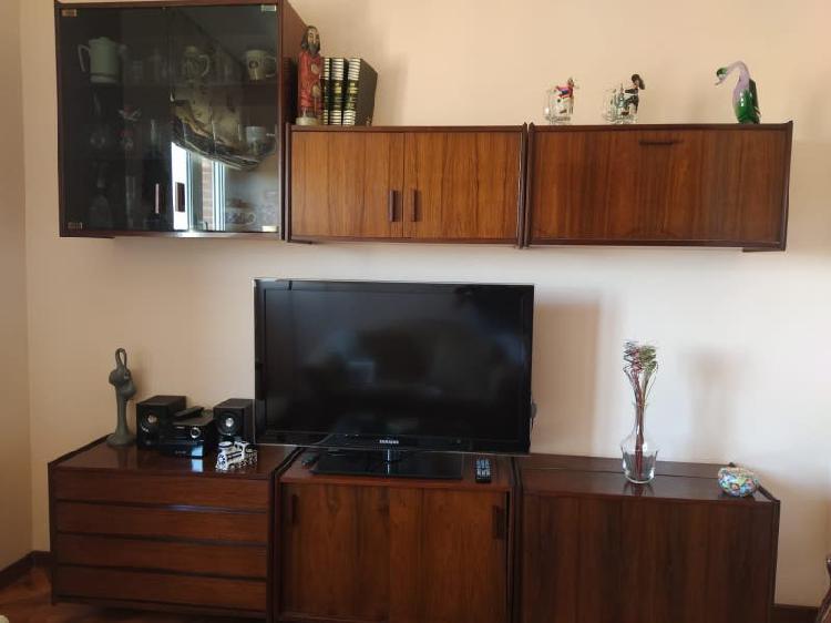 Mueble salón madera roble