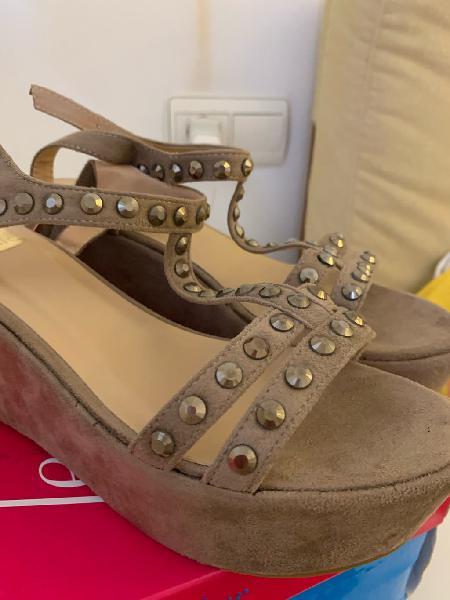 Sandalias cuña nuevas
