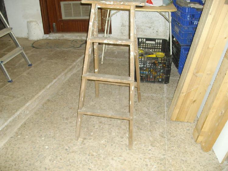 Escaleras de tijera en madera y aluminio