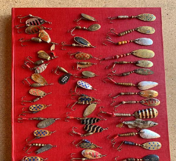 Pesca. 40 cucharillas usadas mas anzuelos montados