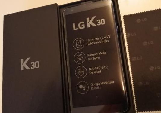 Teléfono smartphone lg k30