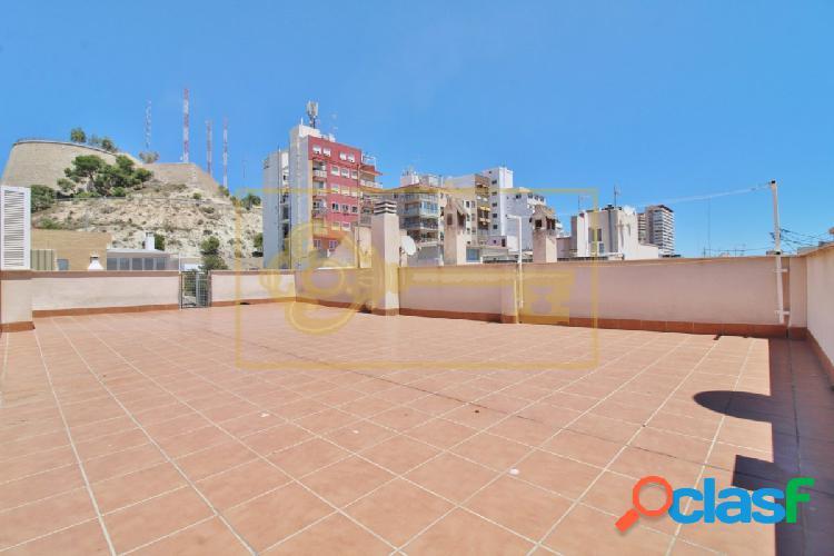 Magnífico ático de 205m2 construidos en pleno centro de Alicante 2