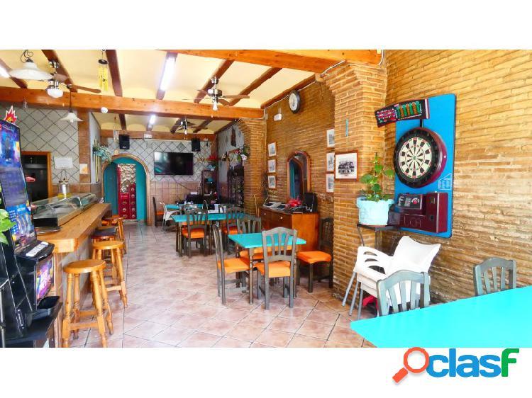 Bar/restaurante en venta totalmente equipado en el centro de dénia.