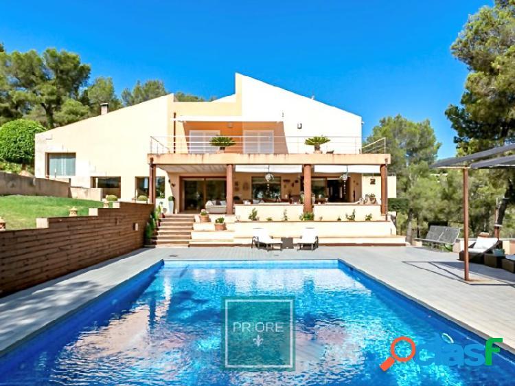 Chalet con piscina en cas catala
