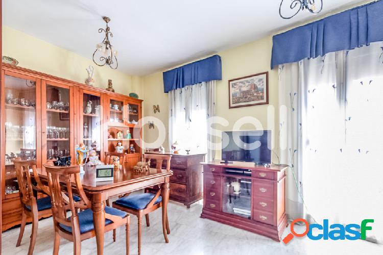 Piso en venta de 137m² en Calle Ceclavín, 10004 Cáceres 2