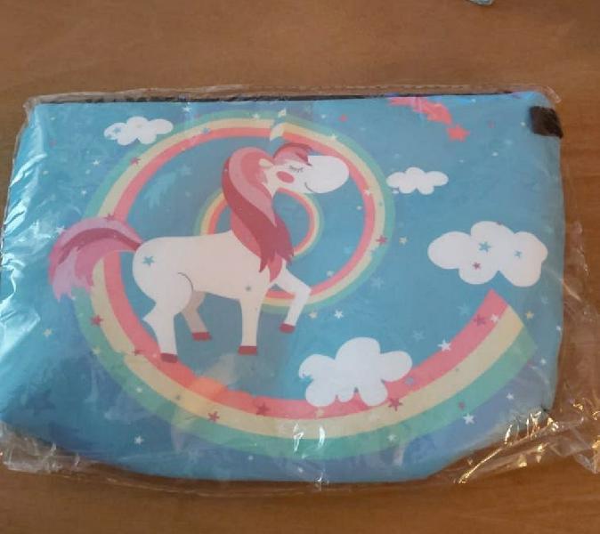 Bolso estuche neceser unicornio arco iris