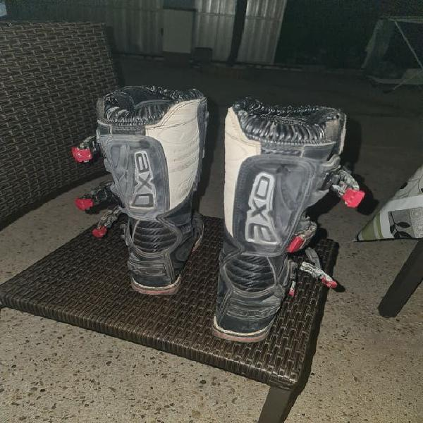 Botas de motocross numero 37 axo.