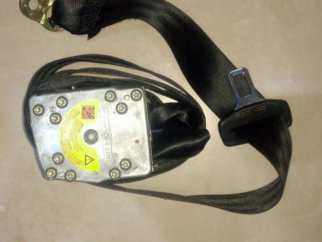Cinturon trasero izquierdo d audi a6 año 2001