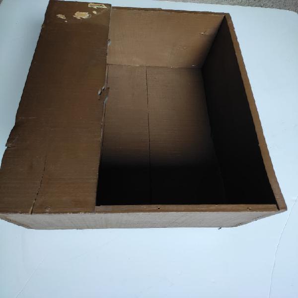 Caja madera antigua