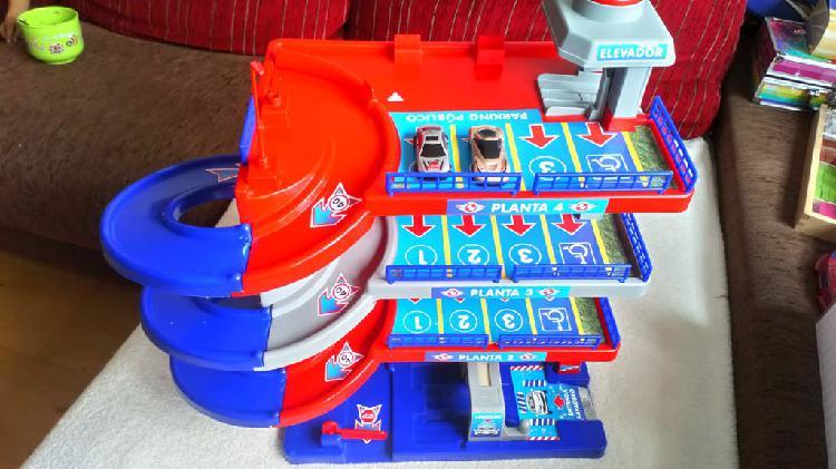 Juguete parking 4 plantas de juguettos