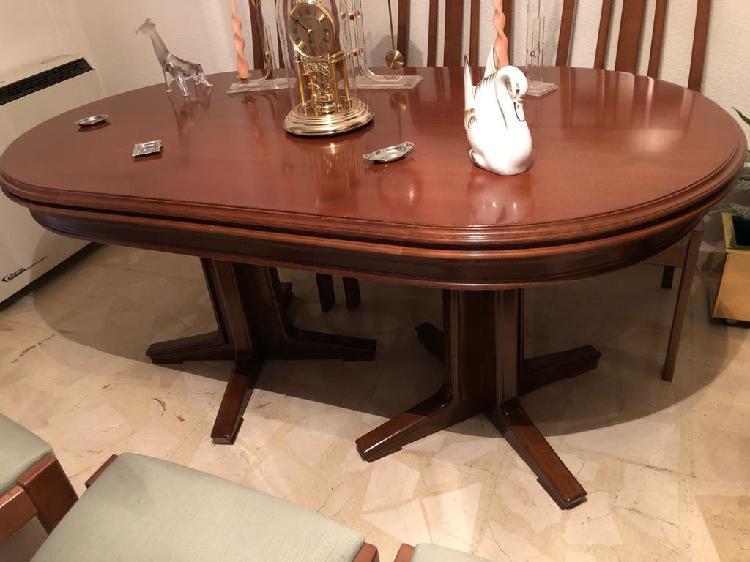Mesa de madera maciza con 6 sillas a juego