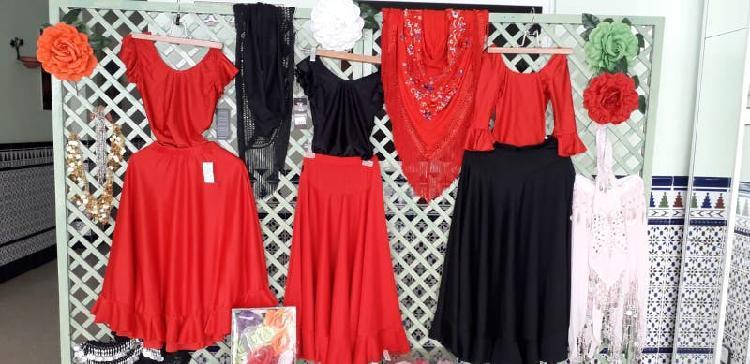 Ropa y accesorios flamencos nuevos.