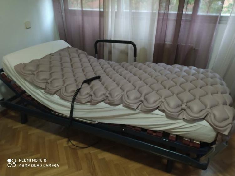 Cama articulada con mando, colchón y antiescaras