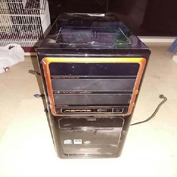 Torre de ordenador.no se si funciona no entiendo m