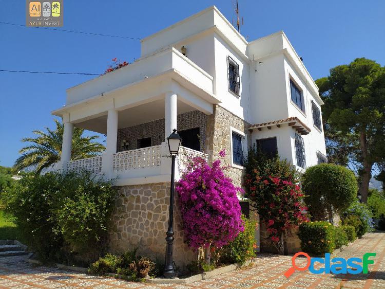 Preciosa villa en altea con vistas al mar/montaña