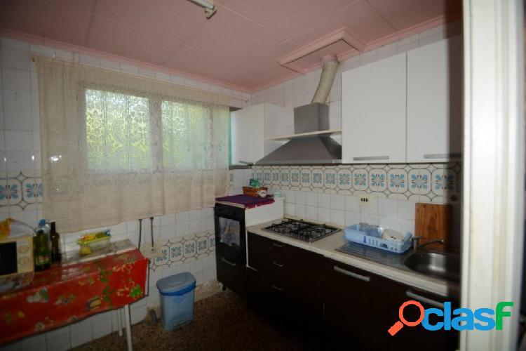 Casa con terreno en orihuela zona san bartolomé, 70 m2 construidos de vivienda y parcela de 4.000 m2