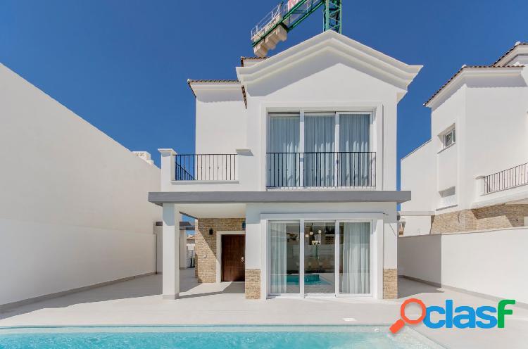 Villa de estilo mediterráneo con piscina privada a 50m del mar, Torrevieja, Costa Blanca 3