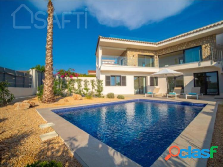 Preciosa vivienda con vistas al mar y a la bahía de Palma de Mallorca. 1