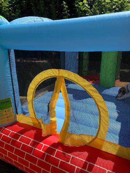 Castell inflable amb piscina de boles