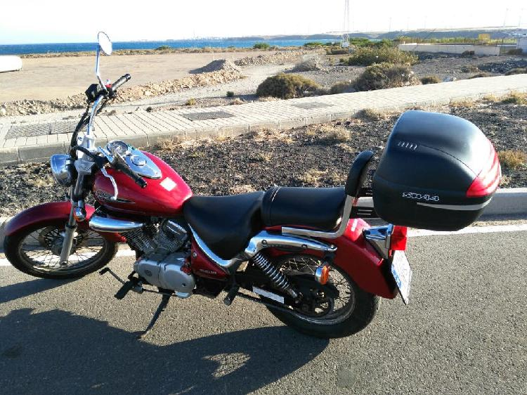Gasolina 98, 32250 km. color roja. apta para condu
