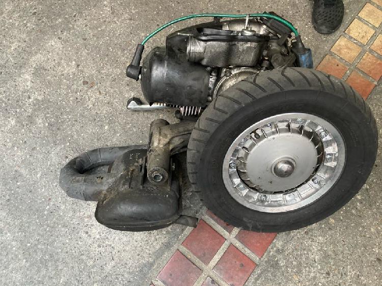 Motor vespa vmc 177