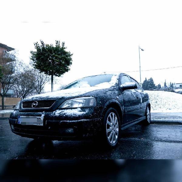 Opel astra g 2004 (negociable)