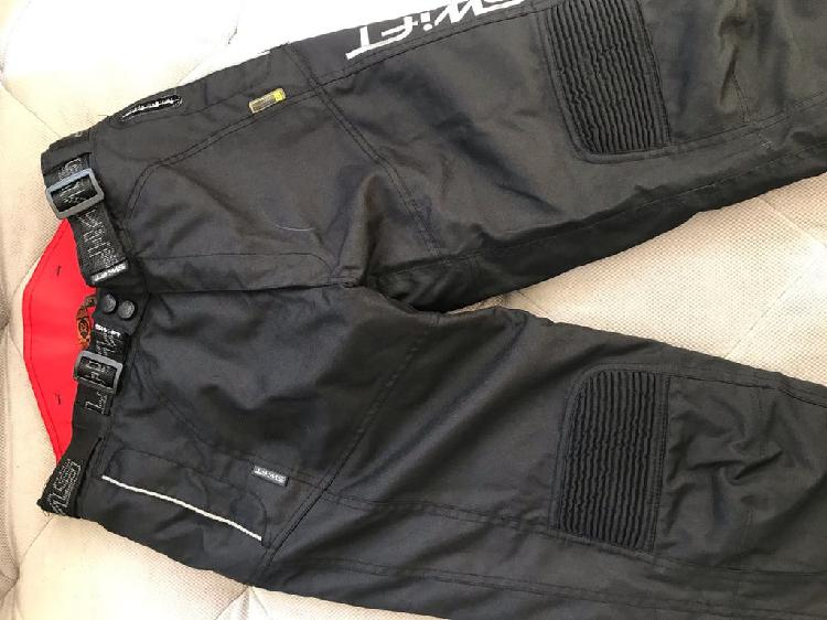 Pantalones impermeables moto chica swift