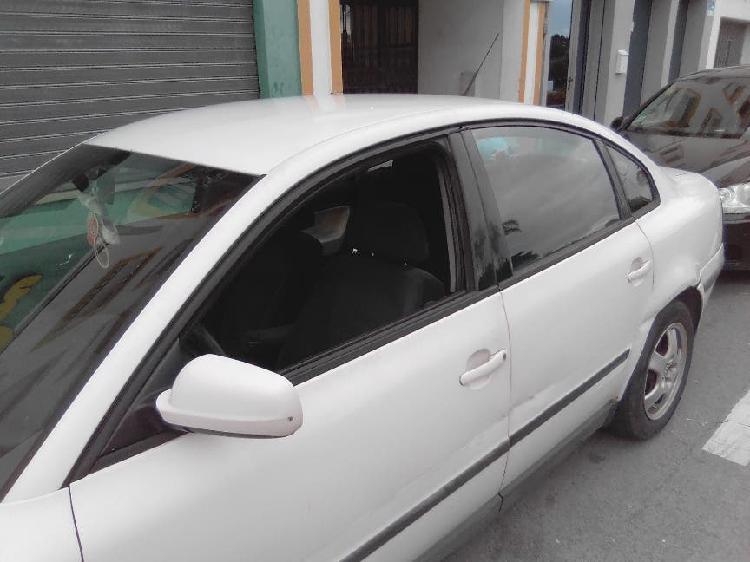 Volkswagen passat 1997 o cambio por ford c max abonando la